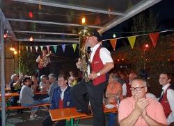 MV Harmonie Tennenbronn beim Dorfbesen in Locherhof_13