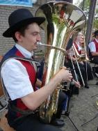 MV Harmonie Tennenbronn beim Dorfbesen in Locherhof_3